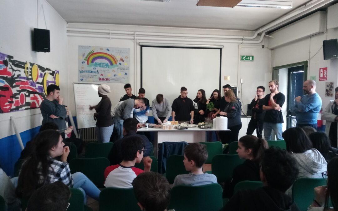 Attività di orientamento: LE FRANÇAIS EST SERVI